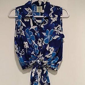 Zizi •blue floral button up tie knot front top